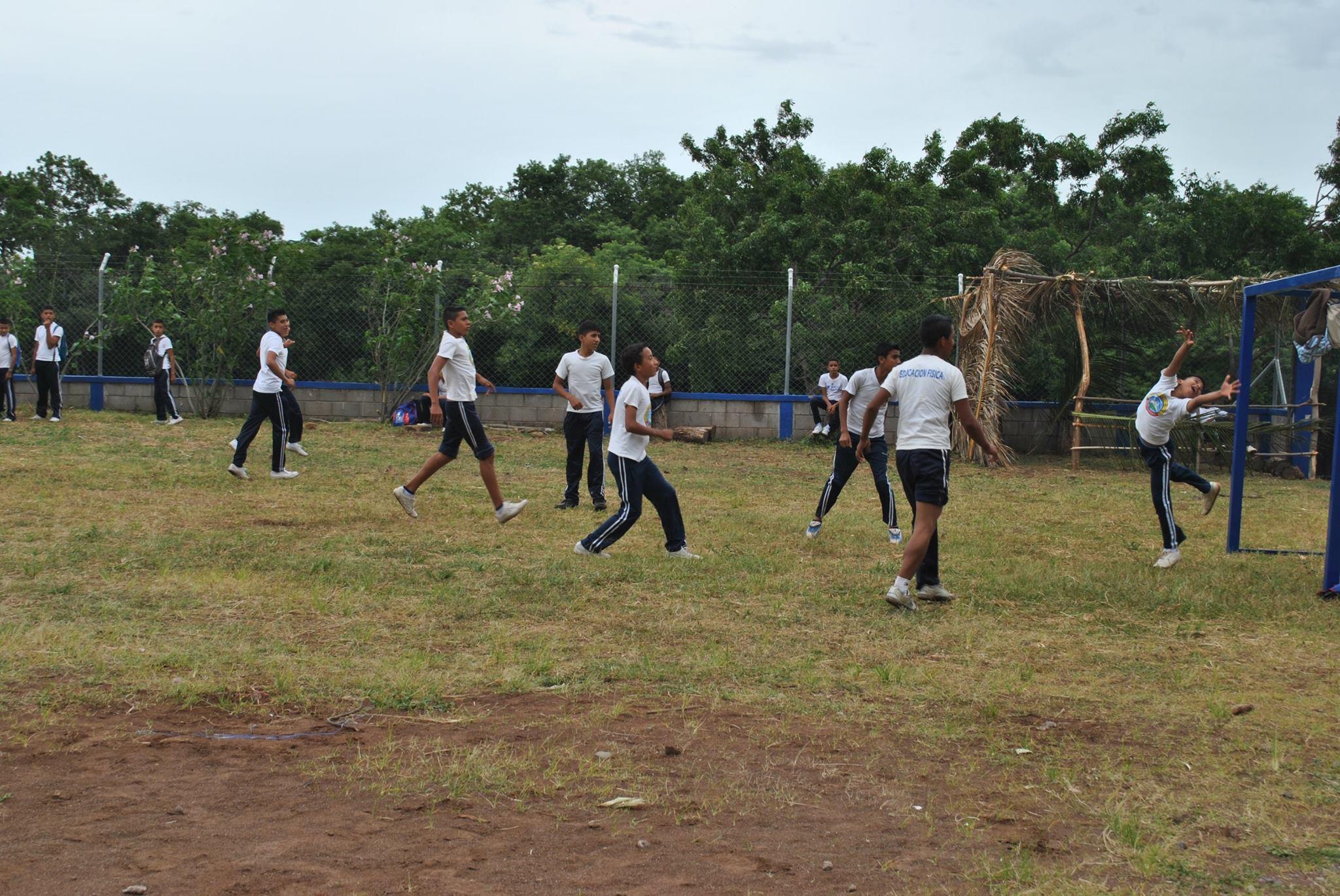 Porterias Nios Jugando Futbol En Cerro Cerde Honduras 260817